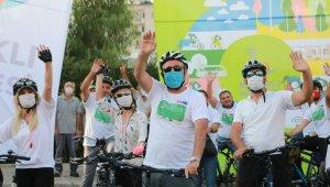 Başkan Sandal, mesaiye bisikletle geldi