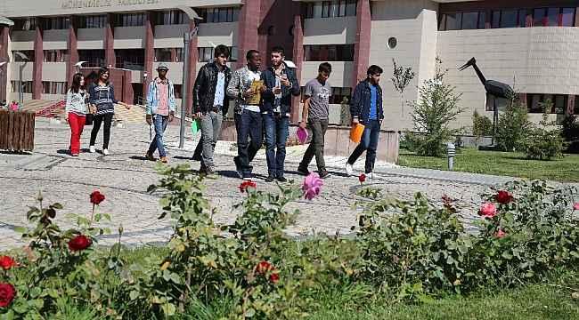 Bayburt Üniversitesi ön lisans ve lisans eğitim-öğretim yönetmeliğinde değişiklik