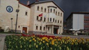 Bayburt Üniversitesi, YÖKAK Memnuniyet Anketinde birçok üniversiteyi geride bıraktı