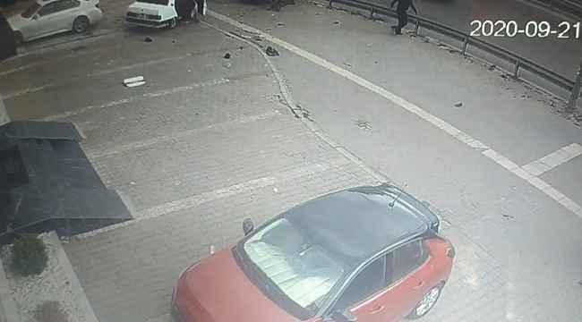 Bozulan araçlarını çalıştırmak için iterken başka araç gelip vurdu - Bursa Haberleri