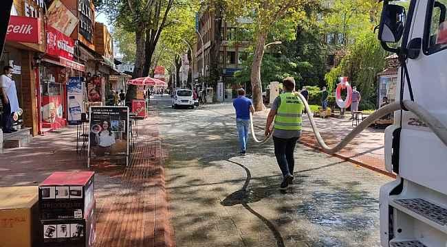Bu ilçede sokaklar gül suyu ile yıkandı - Bursa Haberleri