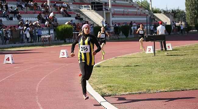 Burcu Subatan, Balkan Şampiyonası'nda altın madalya kazandı