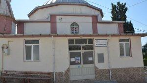 Cami imamı koronaya yakalandı, cemaat karantinaya alındı