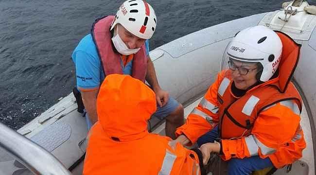 Denize atlayan kadın, 2 bin 500 metre açıkta kurtarıldı