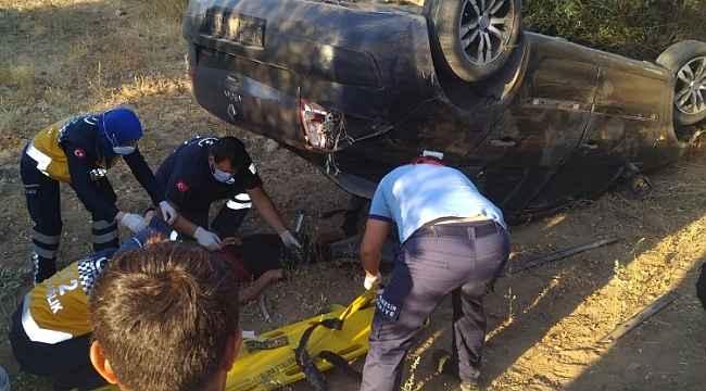 Direksiyon hâkimiyetini kaybeden otomobil takla attı: 3 yaralı