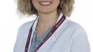 """Doç. Dr. Yasemin Kemal: """"Kanser hastaları grip ve zatürre aşısını ihmal etmemeli"""""""