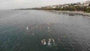Dünyaca ünlü yüzücü Michael Read Avcılar'da kulaç attı