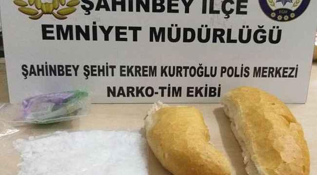 Ekmek arası uyuşturucu sevkıyatı polise takıldı