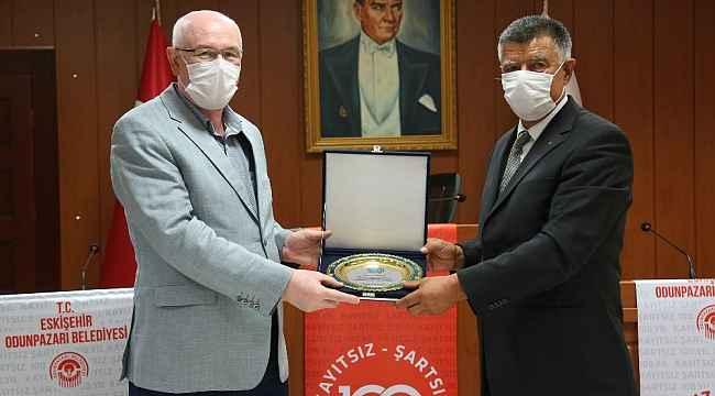 Eskişehir Kırım Derneğinden Başkan Kurt'a teşekkür ziyareti