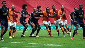 Galatasaray, derbide kural hatasının eşiğinden dönüldü