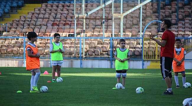 Genç yetenekler 'Futbolda Özkaynak Projesi' ile keşfediliyor