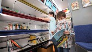 Gezici Kütüphane Başiskele'de kitapseverlerle buluştu