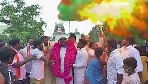 Hindistan Başbakanı'nın doğum günü kutlamaları felakete dönüştü
