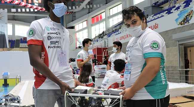 İnsansız su altı aracıyla TEKNOFEST'te yarıştılar