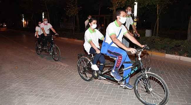 Isparta'da görme engelliler ilk kez bisiklet deneyimi yaşadı