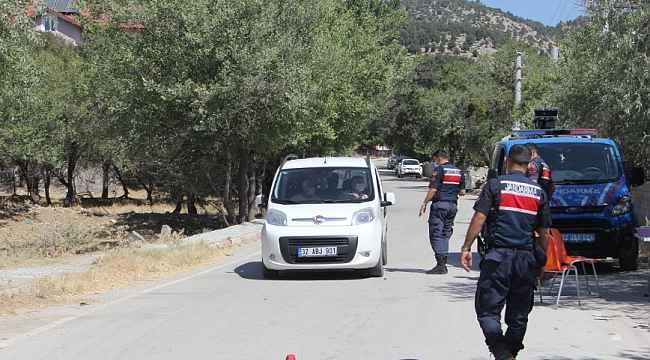 Isparta'da karantina uygulanan köye giriş ve çıkışlar durduruldu