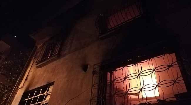 İzmir'de korku dolu anlar: Alevlere uykuda yakalandılar