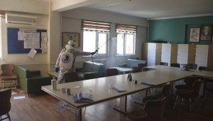 Kartal Belediyesi temizlik ekipleri okul ile ilk kez tanışacak minikler için harekete geçti