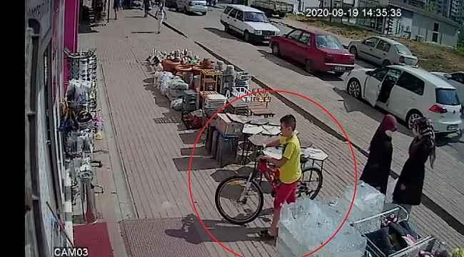 Kendi bisikletini bırakıp başka bisikleti çaldı linç edilmekten polis kurtardı