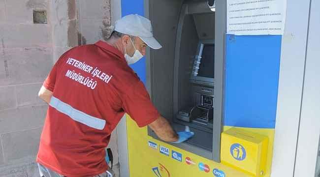 Kırşehir Belediyesi, artan vakalar sonrasında dezenfekte çalışmalarını artırdı