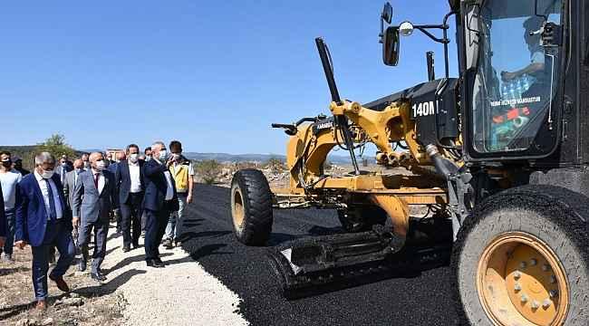 Köy yolları asfalta kavuştu