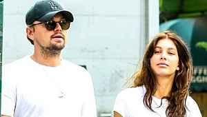 Leonardo DiCaprio, genç sevgilisiyle tatilin tadını çıkarıyor