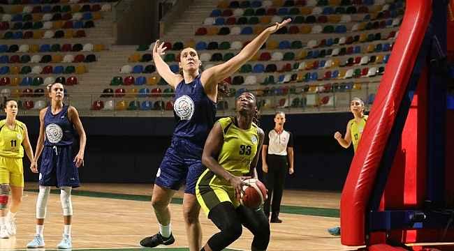 Leyla Atakan Cup'ta son maçın galibi: İzmit Belediyespor