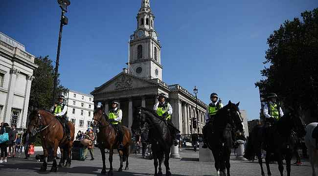 Londra'da karantina karşıtı protesto