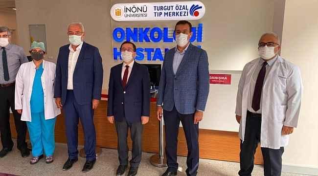 Milletvekillerinden Onkoloji Hastanesine tam not