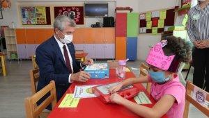 Minik öğrenciler için 34 bin eğitim kitabı ve boyama seti