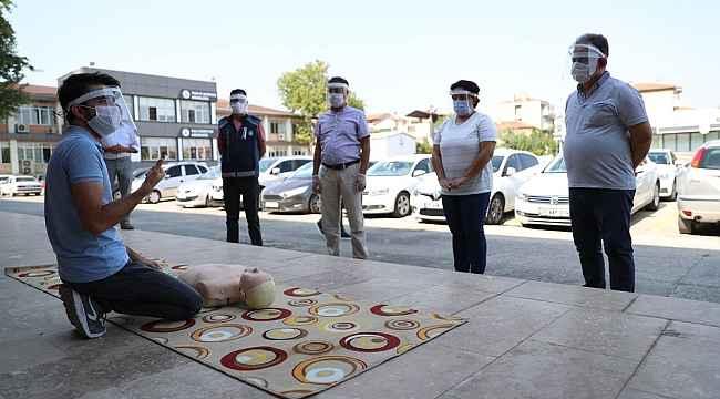Pamukkale Belediyesi personeline ilk yardım eğitimi verildi