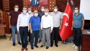 """Prof. Dr. Emin Duru: """"Kestane balı Alzheimer riskini azaltıyor"""""""