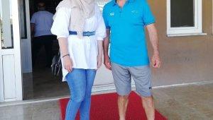 Rıza Çalımbay, fanatik Sivassporlu Hatice'yi kulüpte misafir etti