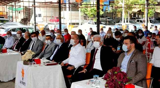 Sarıgöl AK Parti'de yeni başkan Nihat Demirci oldu