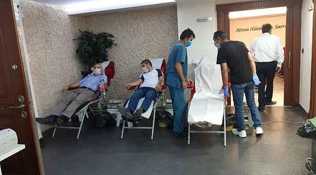 Sarraf ve Kuyumcular Derneği üyeleri kan bağışında bulundu