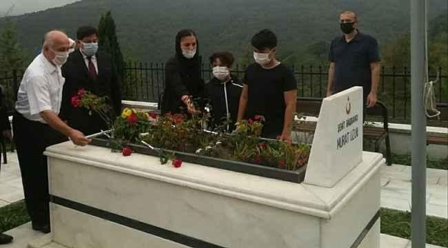 Şehit Başsavcı Murat Uzun mezarı başında anıldı