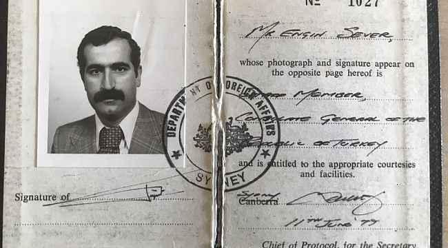 Şehit polis memuru Engin Sever'in diplomat kimlik kartı ailesine teslim edildi