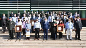 Şehit yakınlarına devlet övünç madalyası verildi