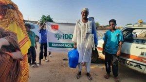 Sudanlı sel mağdurlarına yardım eli