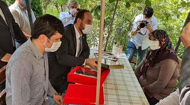 Suriye Ulusal Koalisyon'dan Kızılay şehidine ziyaret