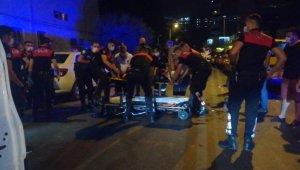 Ters yönden gelen otomobil, önce Yunus ekiplerine ardından 2 araca daha çarptı: 4 yaralı