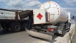 Tır LPG tankerine çarptı, 1 yaralı