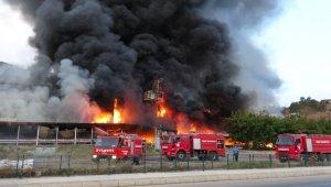 Tokat'ta korkutan AVM yangını, iş yeri sahipleri gözyaşlarına boğuldu