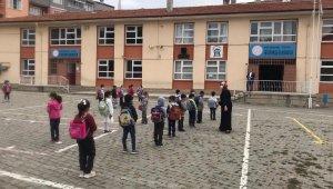 Tosya'da 900 öğrenci, yüz yüze eğitime başladı