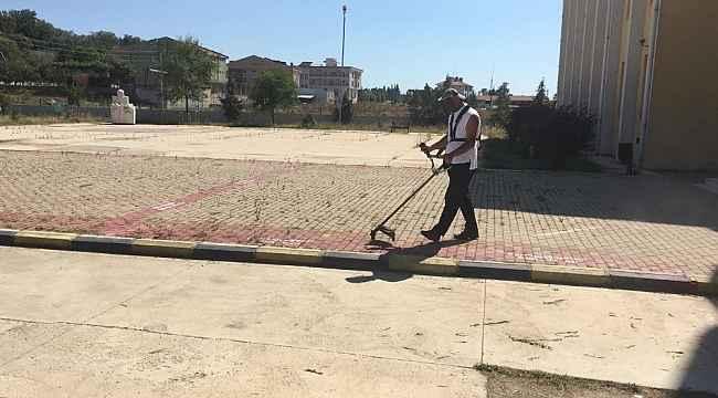 Trakya Üniversitesinin ilçe kampüslerinde peyzaj ve çevre bakımı seferberliği