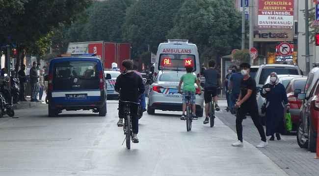 Türkiye'de ilk...Bütün kamu araçları siren çalıp maske mesafe uyarısı yaptı