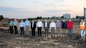 Vali ve milletvekilleri yeni hastane projesini yerinde inceledi