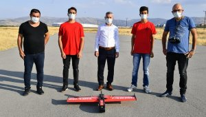 Yeşilyurt Belediyesi, Türkiye birincisi olan Ebabil takımına sponsor oldu