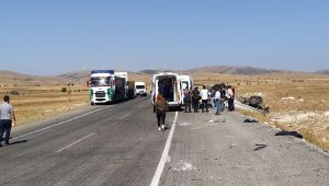 Yoldan çıkan kamyon devrildi, 1 ölü 1 yaralı
