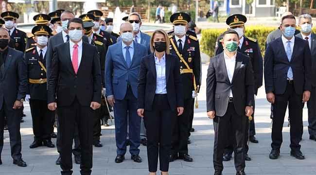 29 Ekim Cumhuriyet Bayramı çelenk sunma töreni yapıldı
